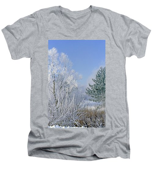 2a357 Snow Covered Trees At Alum Creek State Park Men's V-Neck T-Shirt