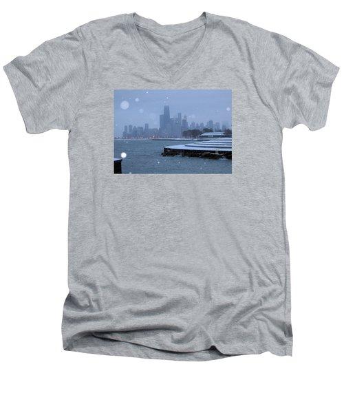 Snowy Chicago Men's V-Neck T-Shirt
