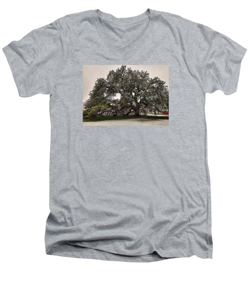 Snowfall On Emancipation Oak Tree Men's V-Neck T-Shirt by Jerry Gammon