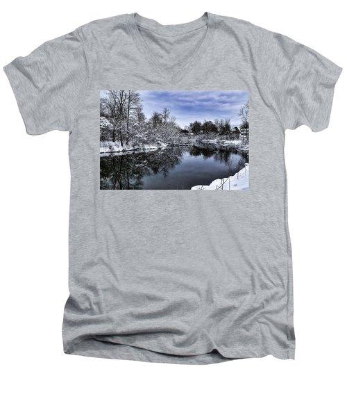 Snowy Ellicott Creek Men's V-Neck T-Shirt