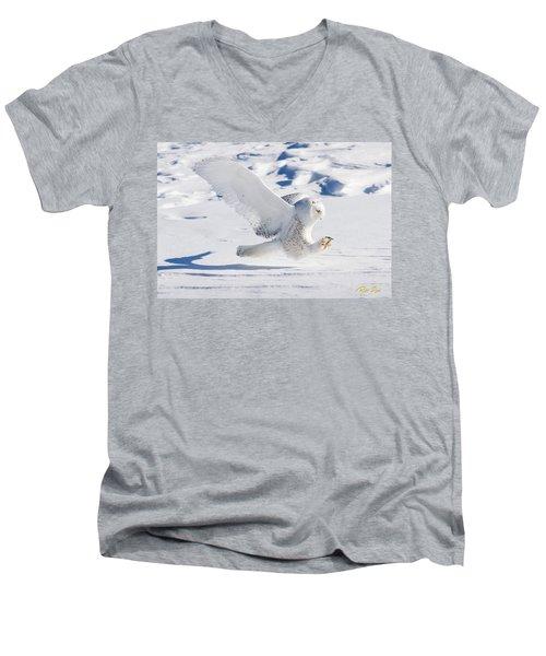 Snowy Owl Pouncing Men's V-Neck T-Shirt