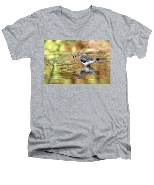 Solitary Sandpiper With Belostomatide Men's V-Neck T-Shirt
