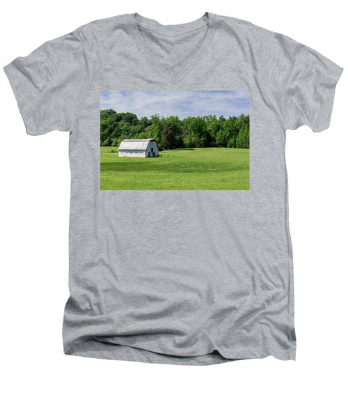 Barn In Green Pasture Men's V-Neck T-Shirt