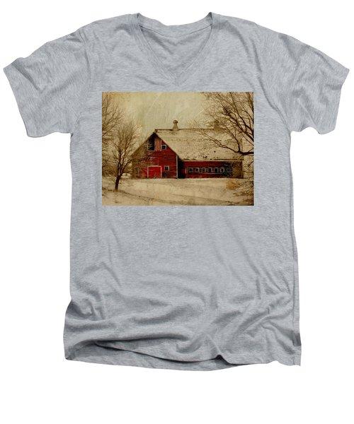 South Dakota Barn Men's V-Neck T-Shirt