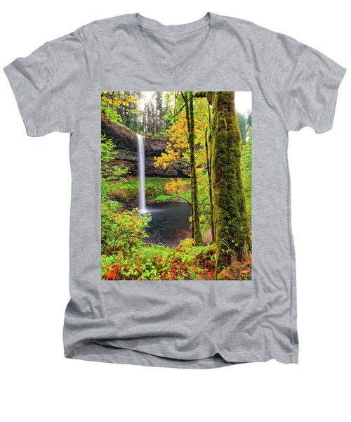 South Silver Falls Men's V-Neck T-Shirt
