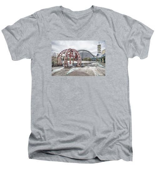 Men's V-Neck T-Shirt featuring the photograph Spaced Out by Andy Crawford