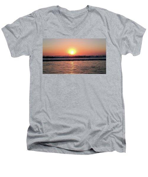 Splashing Men's V-Neck T-Shirt by Beto Machado