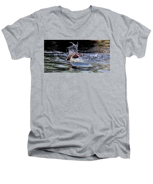 Splashing Humboldt Penguin Men's V-Neck T-Shirt by Scott Lyons