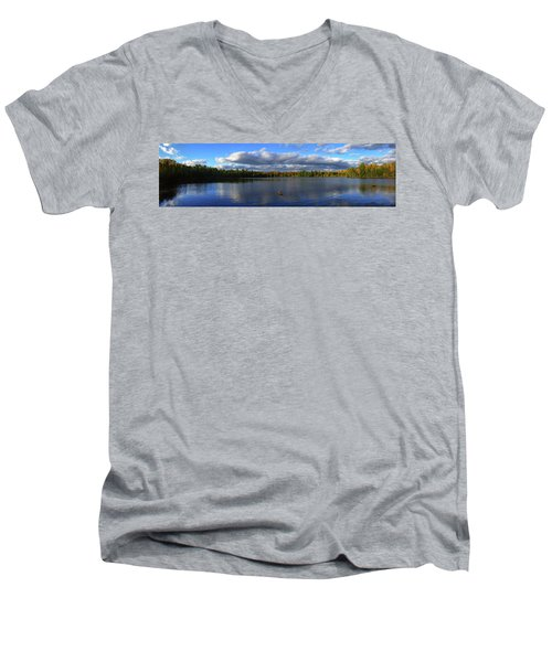 Splendid Autumn View Panoramic Men's V-Neck T-Shirt