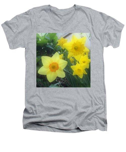 Springs Calling Card Men's V-Neck T-Shirt