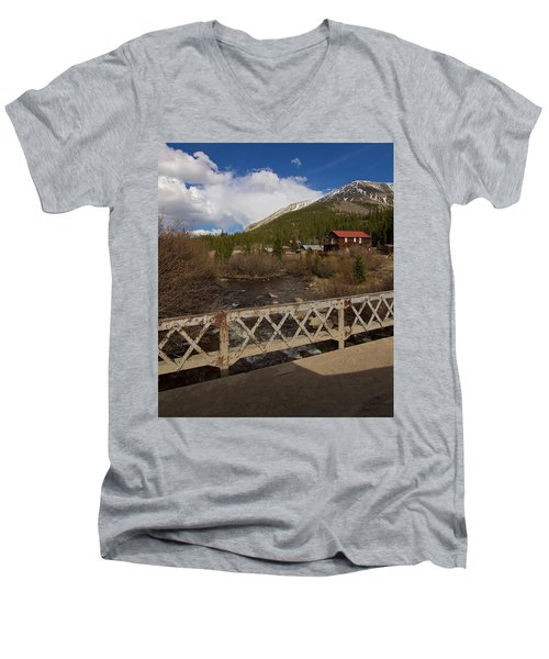 St Elmo Men's V-Neck T-Shirt
