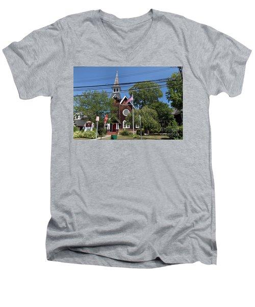 St Pauls Episcopal Church Patchogue Men's V-Neck T-Shirt