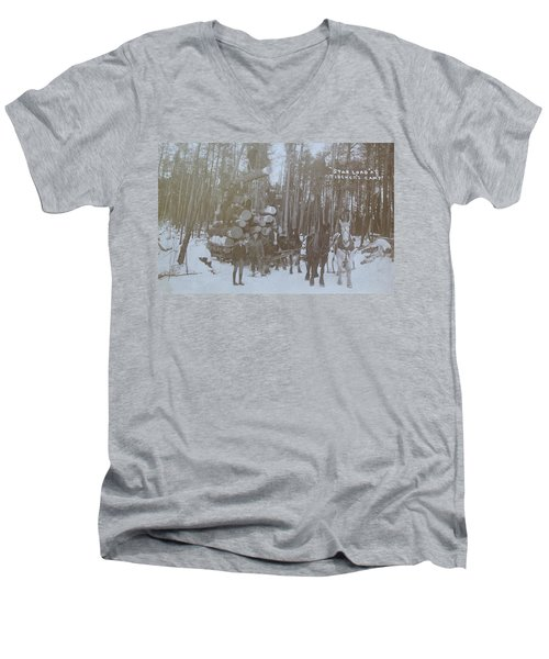 Men's V-Neck T-Shirt featuring the photograph Star Load by Tammy Schneider