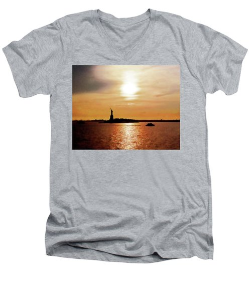 Statue Of Liberty At Sunset Men's V-Neck T-Shirt