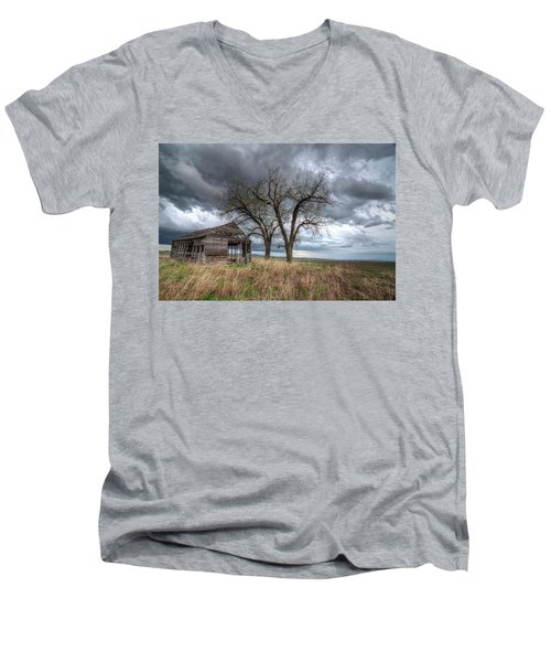 Storm Sky Barn Men's V-Neck T-Shirt