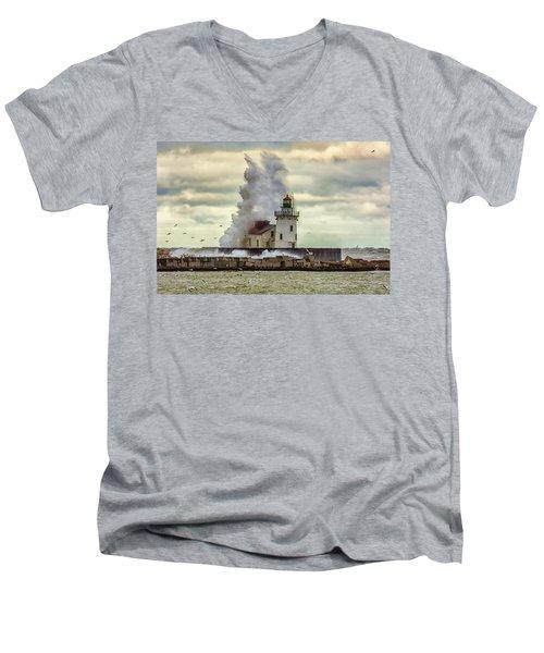 Storm Waves At The Cleveland Lighthouse Men's V-Neck T-Shirt