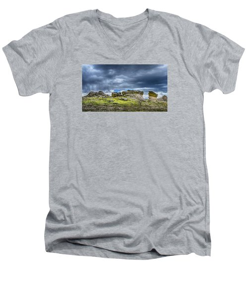 Stormy Peak 3 Men's V-Neck T-Shirt