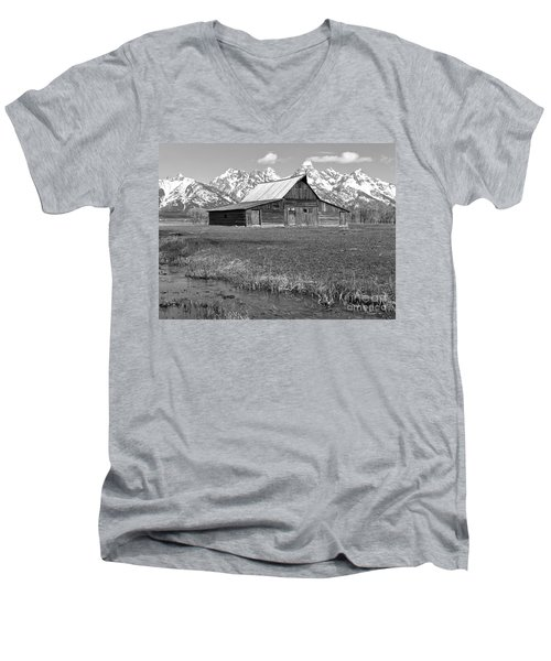 Streaming By The Moulton Barn Black And White Men's V-Neck T-Shirt by Adam Jewell