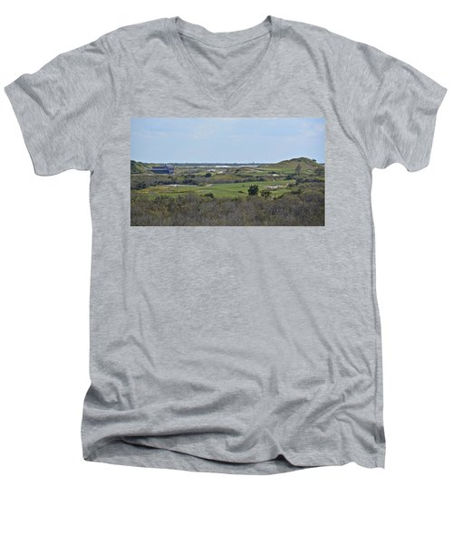 Streamsong Golf Course Men's V-Neck T-Shirt