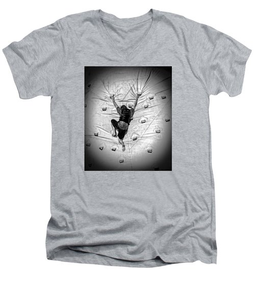 Struggle To Acheive Men's V-Neck T-Shirt