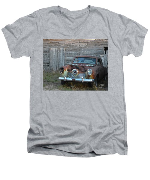 Studebaker Sitting Men's V-Neck T-Shirt