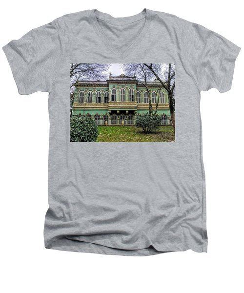 Sultan's Retreat Men's V-Neck T-Shirt