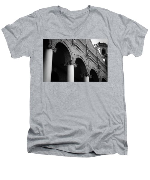 Men's V-Neck T-Shirt featuring the photograph Sumter County Courthouse by Richard Rizzo