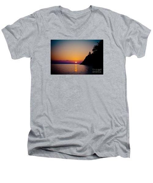 Sunrise And Seascape Men's V-Neck T-Shirt