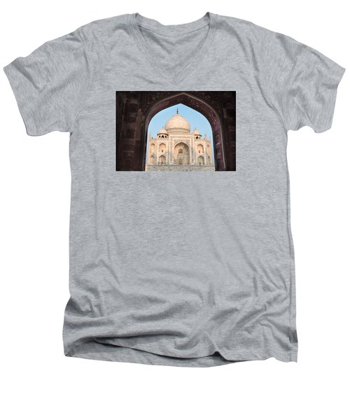 Sunrise Arches Of The Taj Mahal Men's V-Neck T-Shirt