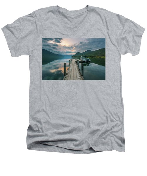 Sunrise Over Lake Rotoroa Men's V-Neck T-Shirt