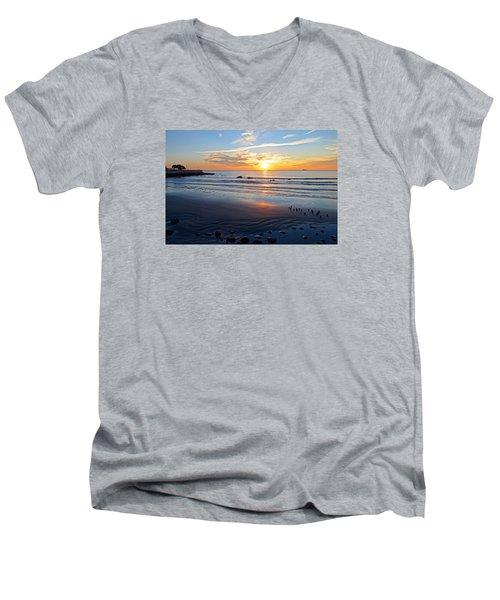 Sunrise Over Red Rock Park Lynn Shore Drive Men's V-Neck T-Shirt
