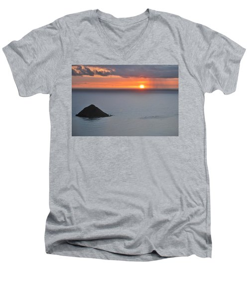 Sunrise View Men's V-Neck T-Shirt