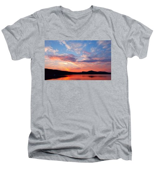 Sunset At Ministers Island Men's V-Neck T-Shirt
