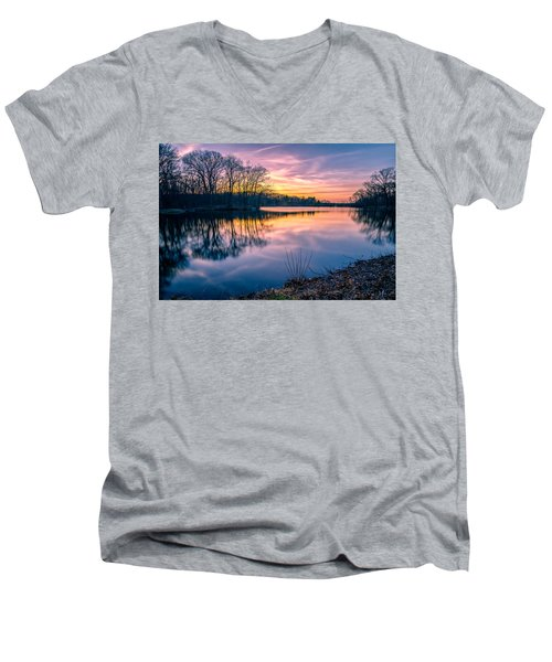 Sunset-dorothy Pond Men's V-Neck T-Shirt