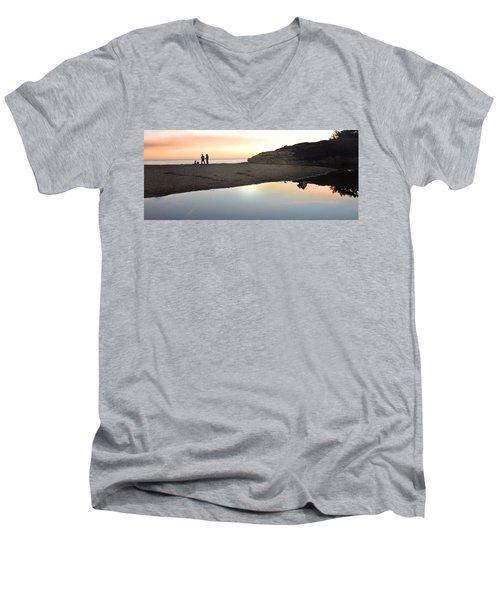 Sunset Family Men's V-Neck T-Shirt