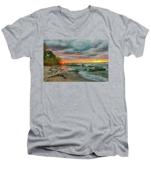 Sunset In Rocky River, Ohio Men's V-Neck T-Shirt
