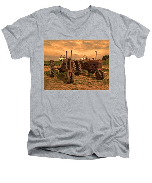 Sunset On The Tractors Men's V-Neck T-Shirt