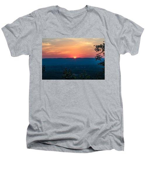 Sunset Over Easthampton Men's V-Neck T-Shirt