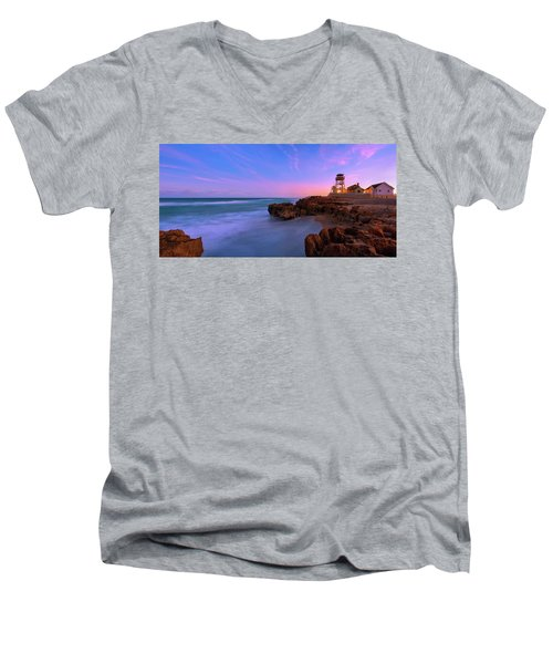 Sunset Over House Of Refuge Beach On Hutchinson Island Florida Men's V-Neck T-Shirt