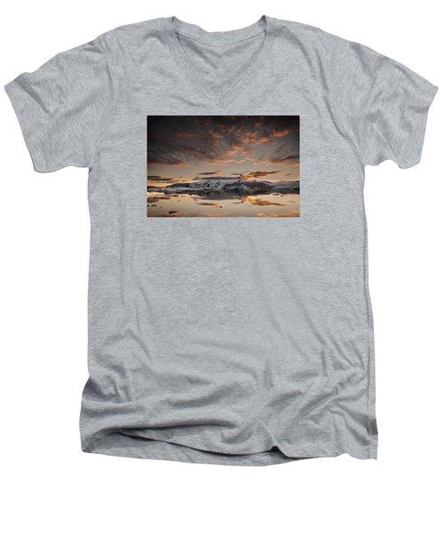 Sunset Over Jokulsarlon Lagoon, Iceland Men's V-Neck T-Shirt