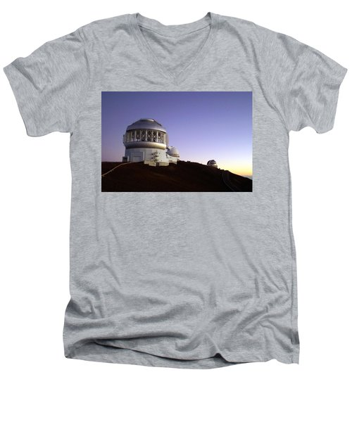 Sunset Over The Mauna Kea Observatories On Kona Men's V-Neck T-Shirt