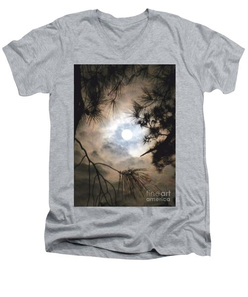 Supermoon November 14 2016 Men's V-Neck T-Shirt