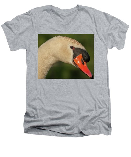 Swan Headshot Men's V-Neck T-Shirt