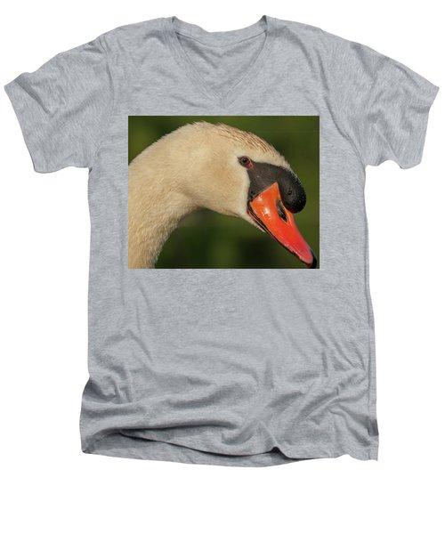 Swan Headshot Men's V-Neck T-Shirt