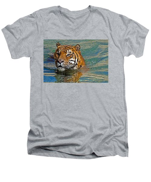 Swimming Tiger Men's V-Neck T-Shirt