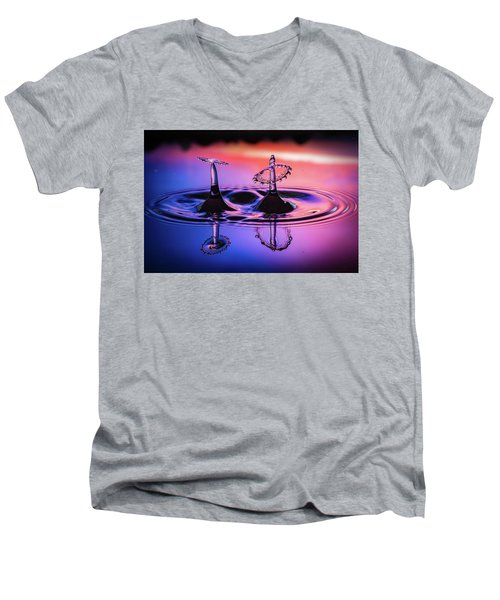Synchronized Liquid Art Men's V-Neck T-Shirt by William Lee