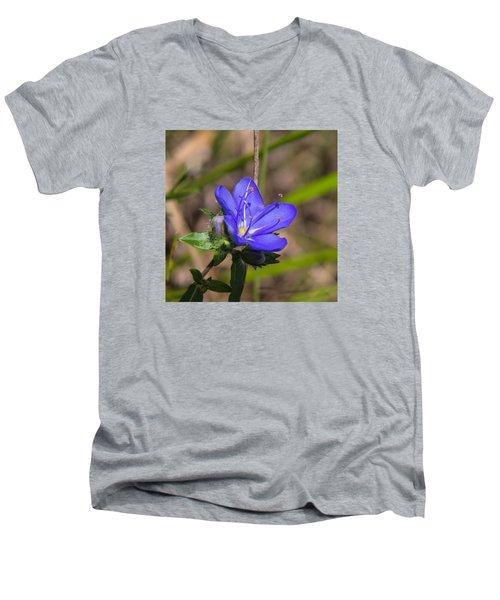 Tall Hydrolea Wildflower Men's V-Neck T-Shirt