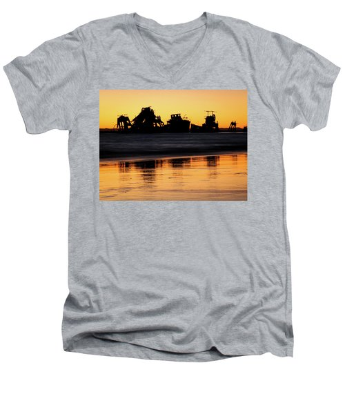 Tangalooma Wrecks Sunset Silhouette Men's V-Neck T-Shirt