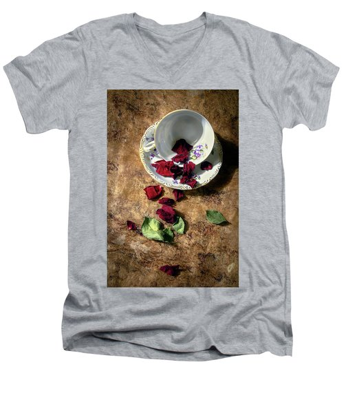 Teacup And Red Rose Petals Men's V-Neck T-Shirt
