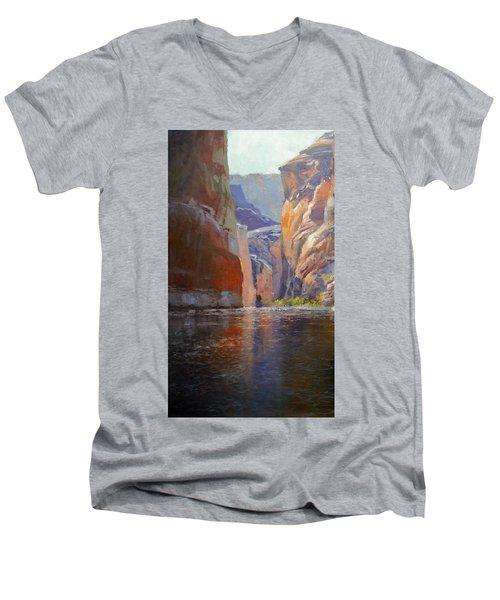 Teapot Point Colorado River Men's V-Neck T-Shirt